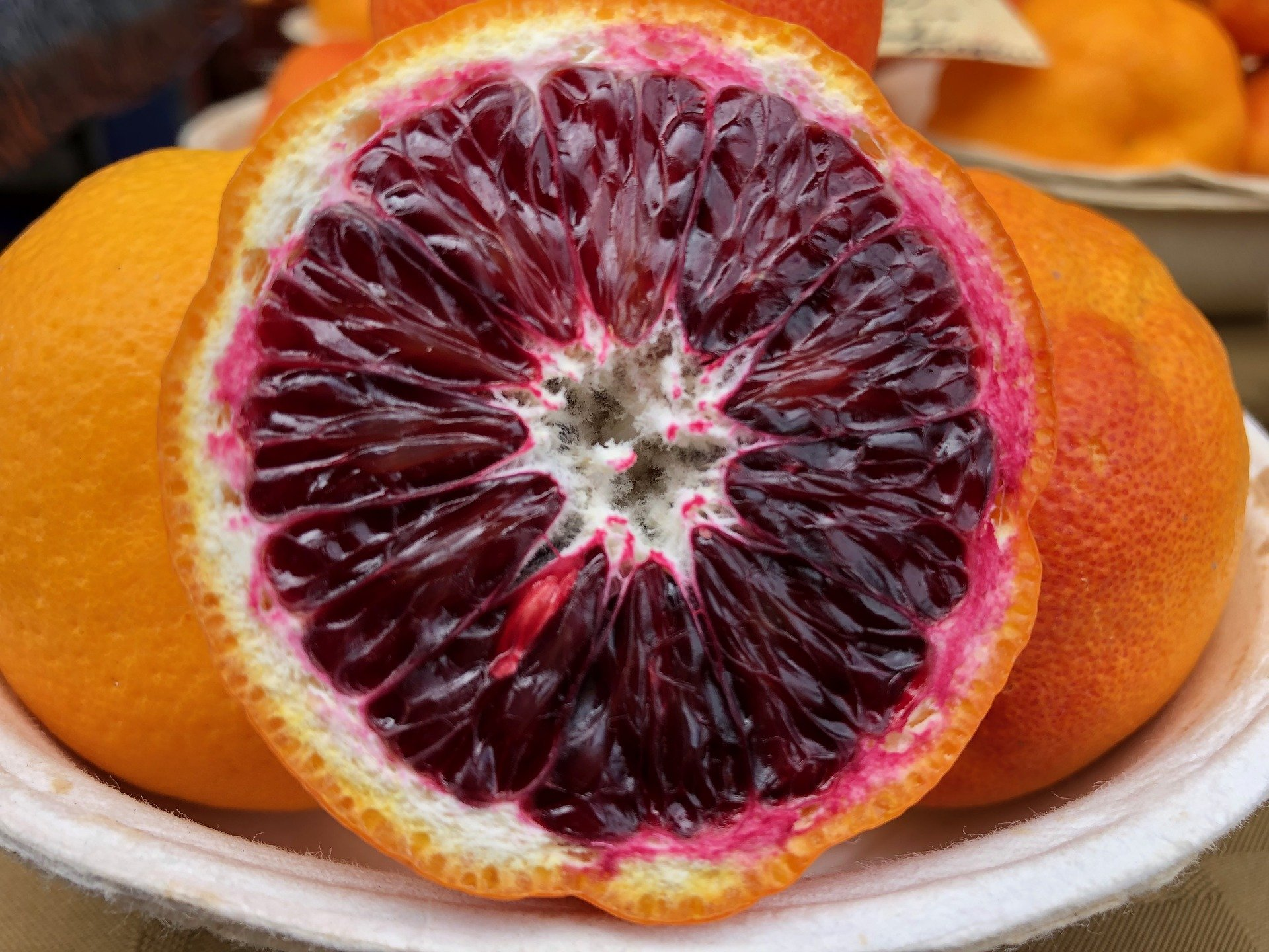 Blood Oranges: 5 Impressive Health Benefits And Nutrition